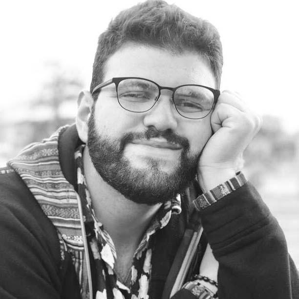 Carlos Colón Ruiz (San Sebastián, Puerto Rico, 1997) es poeta y estudiante de Ciencias Políticas en la Universidad de Puerto Rico, Recinto de Río Piedras. Autor de Hambre nueva (Editorial Pulpo y Atelier d'Escritura, 2019) y del poema suelto No Quiero Escuchar Radiohead  (La Impresora, 2019). Sus poemas aparecen en revistas y antologías tanto nacionales como internacionales. Tiene un perro llamado Lucas, a quien llleva casi tres años entregándole todo su amor